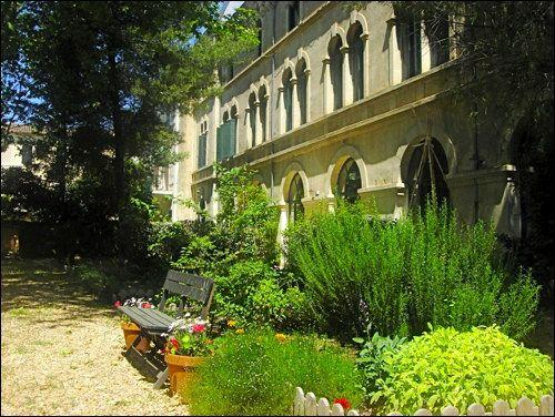 The nenovated covent - Secret Garden 4 - Sunny pool, shady garden, walk t - Pezenas - rentals