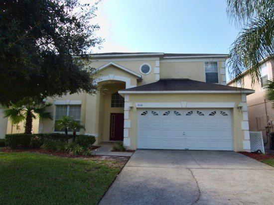 Fantastic 7 Bedroom Vacation Rental in Lake Berkley Resort. 4606FD - Image 1 - Orlando - rentals