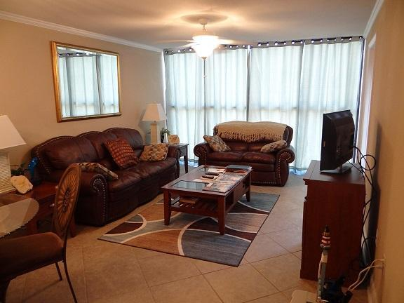 Living/dining area - Biloxi's Ocean Club Villas Unit - Biloxi - rentals