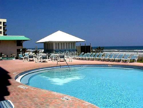 Pool 1 - ** $995 / 2 br - July 4th week on the beach Unit - New Smyrna Beach - rentals