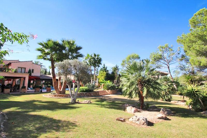 Exclusive Luxury Villa in first line golf location - Image 1 - Santa Ponsa - rentals