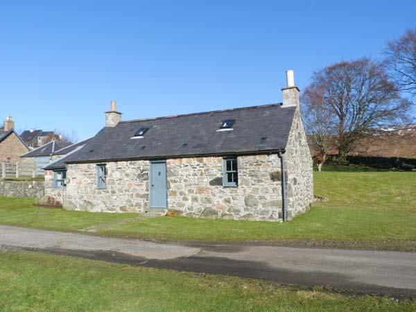 THE BOTHY, woodburner, pet-friendly, romantic cottage near Edzell, Ref. 22711 - Image 1 - Edzell - rentals