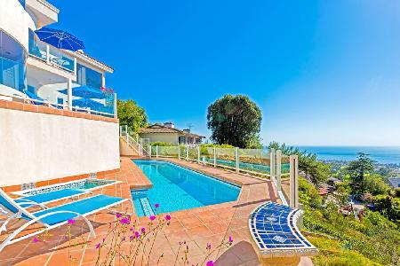Hillside, 6000 sqft Sunset Villa on four levels boasts panoramic views, pol & media room - Image 1 - La Jolla - rentals