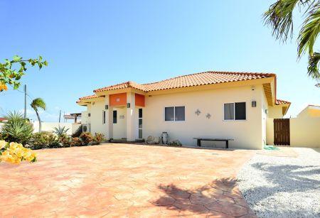 Villa Claire - Image 1 - Noord - rentals