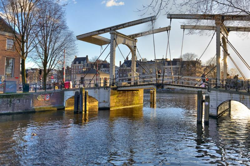 Bridge across the Nieuwe Herengracht at Amstel river - Garden Apartment in The heart of the city - Amsterdam - rentals