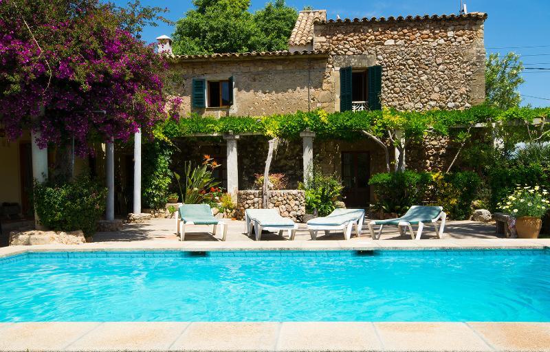 Beautiful villa with pool in Pollença - Image 1 - Pollenca - rentals