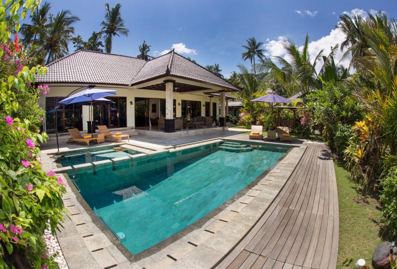 """Three-Bedroom Villa with a Private Pool - Villa Barong """"Big Barong"""" - Candidasa - rentals"""