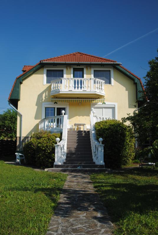 Nice rooms with a view in Csopak - Image 1 - Csopak - rentals