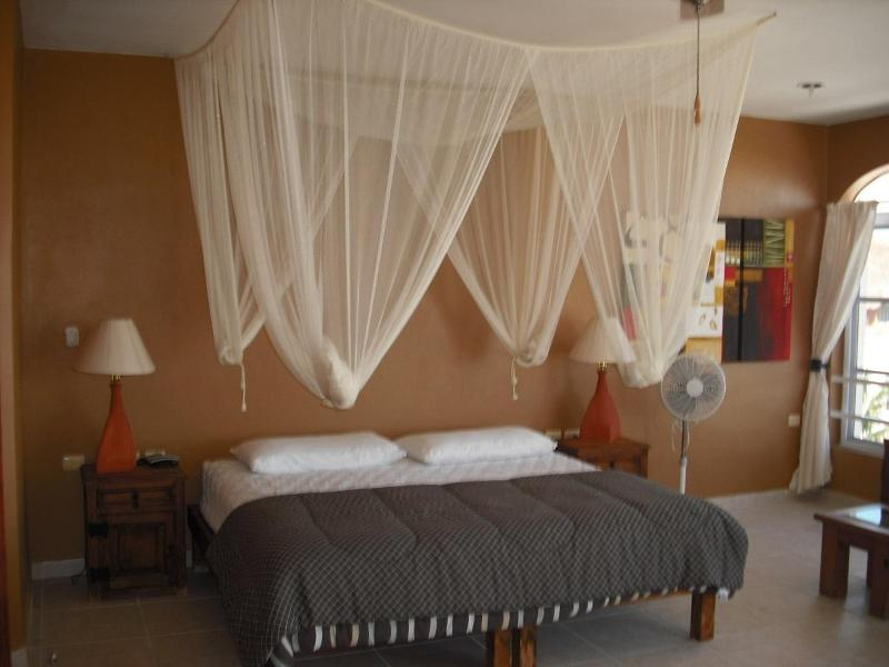 Master Suite, king bed, private bath, A/C, balcony with ocean view. - Guest Suites, steps to the beach - Puerto Morelos - rentals