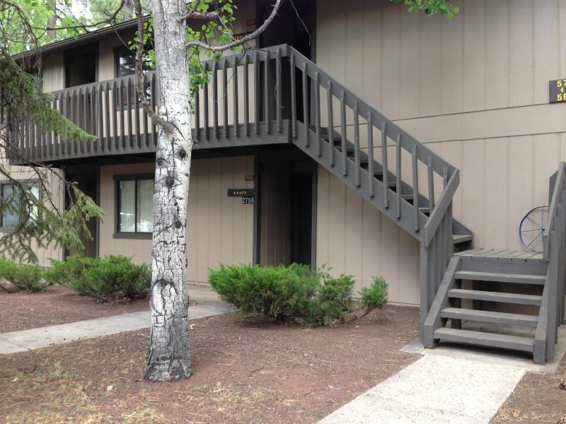 Outside of unit.  Four skylights make it light and airy. - Updated 2nd floor Pinetop condo sleeps 7. - Pinetop - rentals