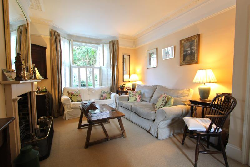 Campana Road (an Ivy Lettings home) - Image 1 - London - rentals