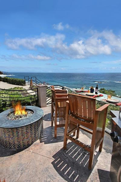 Bar setting of Cress Point with view - Cress Point!! Beach Steps In Front Of This Beach V - Laguna Beach - rentals