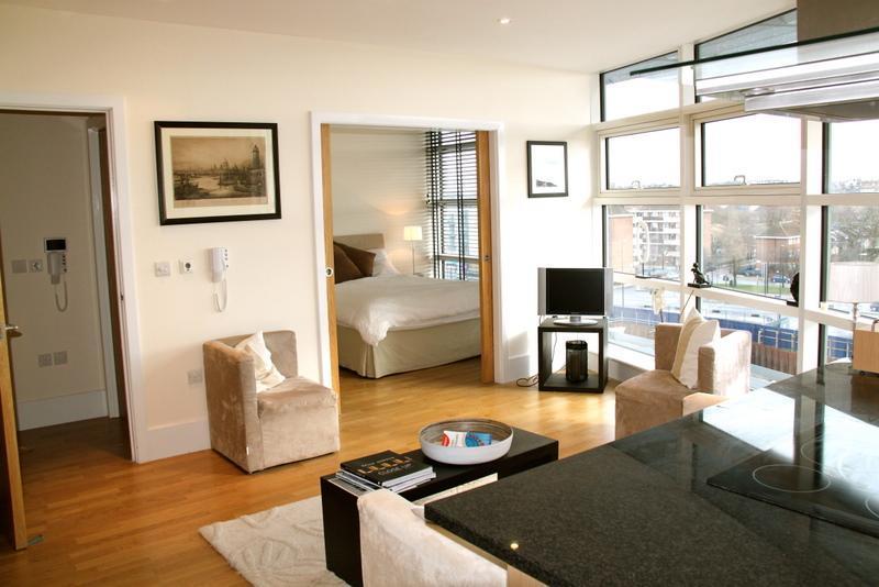 Floor to Ceiling Glass - Battersea Reach - London - rentals