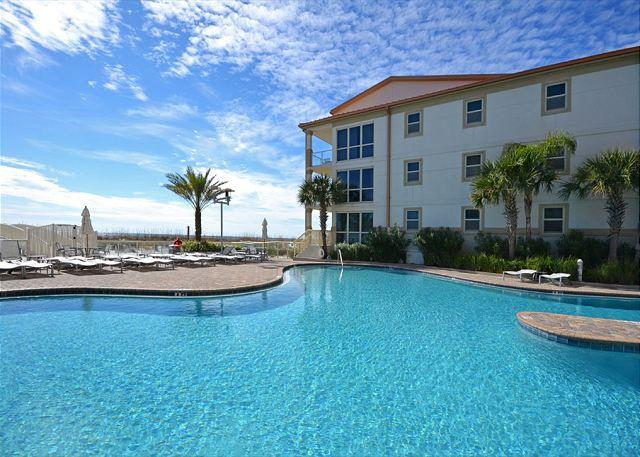 Beach Club A101 - Image 1 - Pensacola Beach - rentals