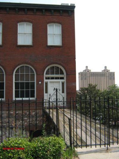 1072: Bay Street Pied-A-Terre - Image 1 - Savannah - rentals