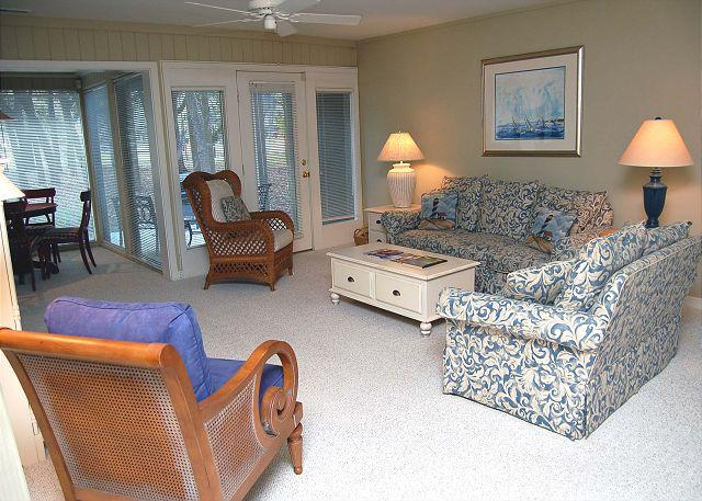 Guest Bedroom - 89 Fairway Ln- 5 minute Walk to Beach! 15% OFF 7/4-11 weekly rate. - Hilton Head - rentals