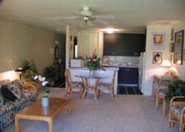 Livingroom/Kitchen - On The Green Available for 30 night rentals, please call. - Kahuku - rentals