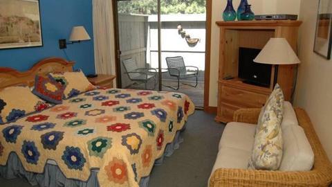 Lodge Room 041 - Image 1 - Black Butte Ranch - rentals