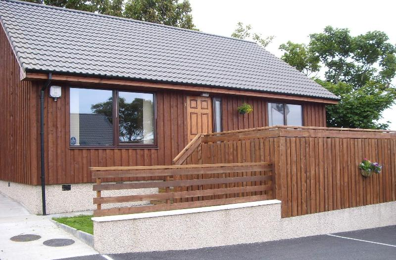 3 High Park Self Catering Lodges, Orkney Islands - Image 1 - Kirkwall - rentals