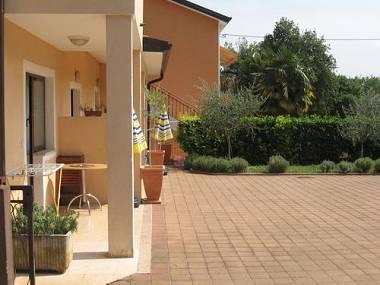 parking (house and surroundings) - 2395  STD(2+1) - Umag - Umag - rentals