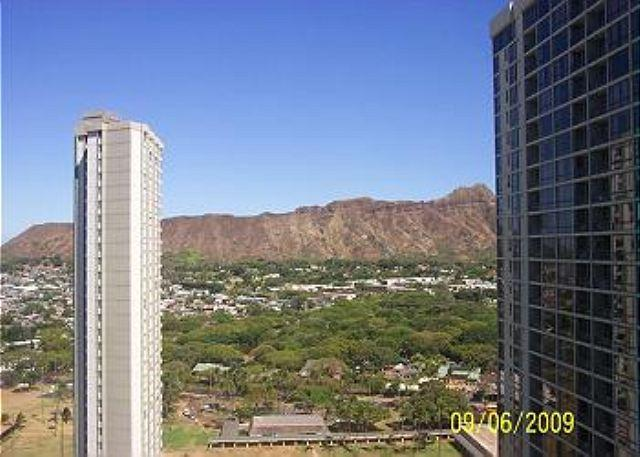 """Oceanview and completely renovated and is now """"Home Away from Home""""! - Image 1 - Honolulu - rentals"""