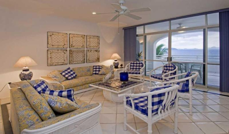 Santorini seis 3 - Beachfront 3 bedroom on stunning Miramar Beach - Manzanillo - rentals