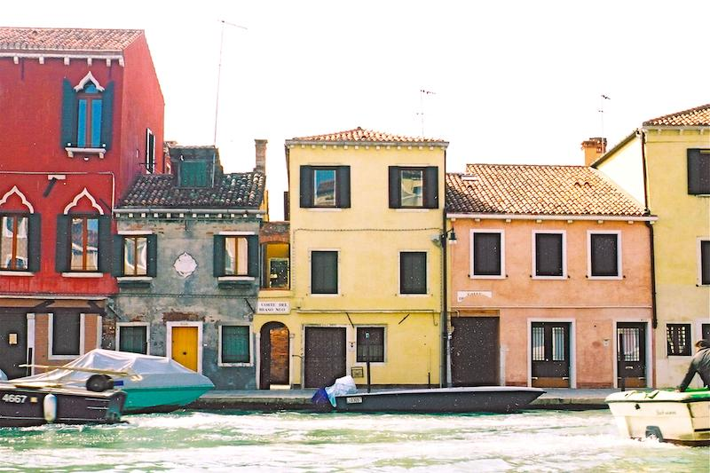 The flat is in the centre building, top floor - Casa Tre Archi, overlooking Cannaregio Canal - Venice - rentals
