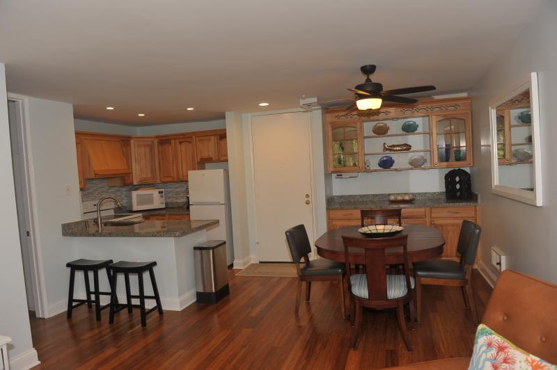 Bamboo hardwood floors - One-bedroom beach beauty! - Oceanside - rentals