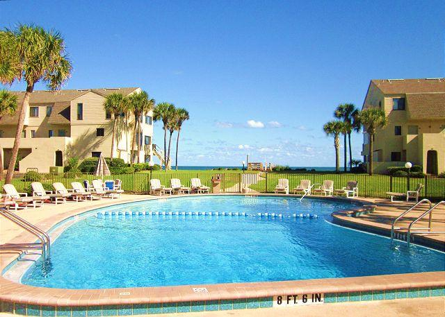 "Spacious & well-maintained, the oceanfront pool is so inviting! - Summerhouse 408, Ocean Front, New 42"" HDTV, 4 Heated Pools - Saint Augustine - rentals"