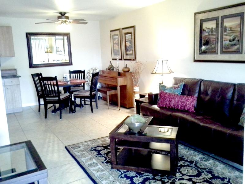 Relax on our new comfy leather couch! - Palm Springs Get Away! - Palm Springs - rentals