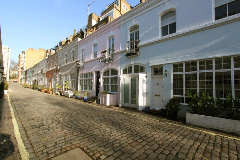 Ennismore Gardens Mews, (IVY LETTINGS). Fully managed, free wi-fi, discounts available. - Image 1 - London - rentals