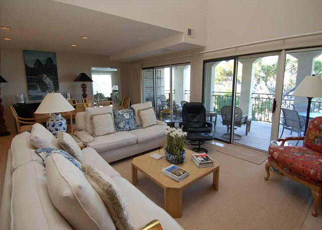 Living Room - 1127 Harbourtown Green - 3 Bedroom Penthouse Villa with Spectacular Views! - Hilton Head - rentals