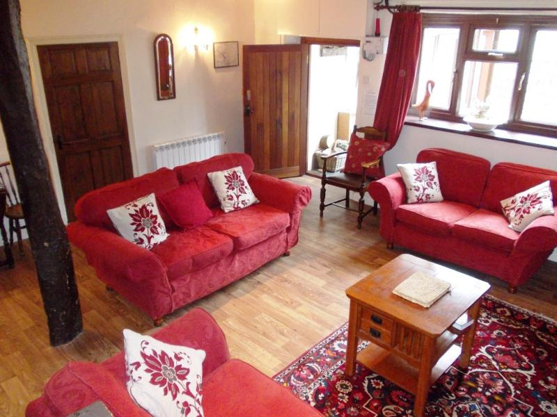 Village cottage: log fire,stream&ducks-BrookHouse2 - Image 1 - Keswick - rentals