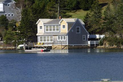 Watersde Cottage in Chester - #1 Waterside Cottage, Chester NS - Chester - rentals