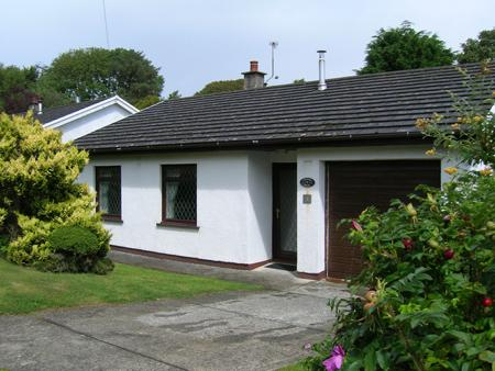Child Friendly Holiday Home - Sisial y Dail, St Ishmaels - Image 1 - Pembrokeshire - rentals