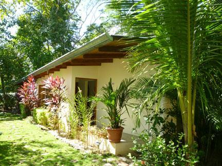 Front of house and porch - 2 Bedroom garden home minutes from amazing beach! - Puntarenas - rentals