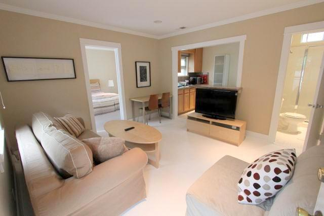 Adorable 1 Bedroom Apartment with Patio (3639) - Image 1 - Los Angeles - rentals