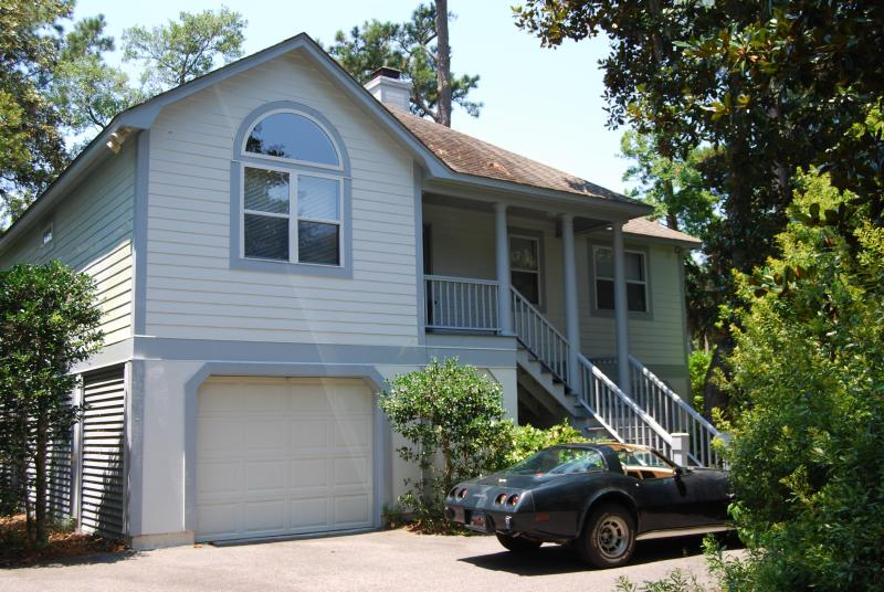 Front of House - 3 Bedroom House -WiFi, TV,DVD,BBQ, deck,golf view - Seabrook Island - rentals