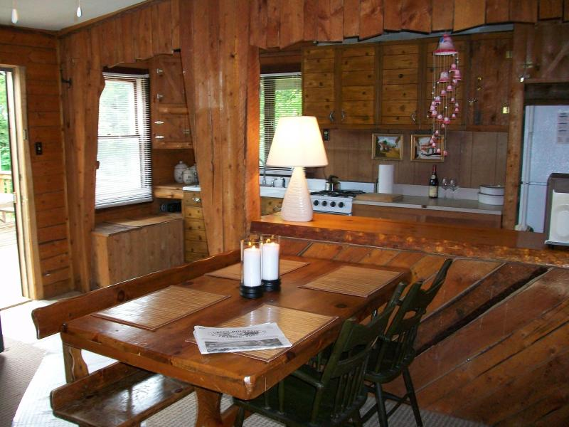 dining area - Cozy cabin in the woods near hiking/biking & lakes - Westmore - rentals