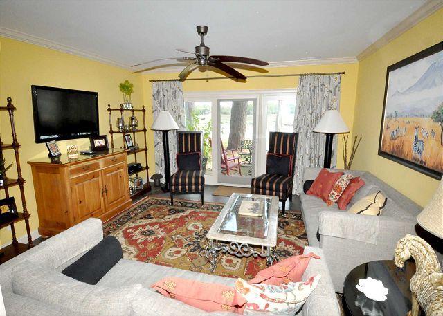 Living Area - 1620 Port Villa-FULLY RENOVATED 4 Bedroom-Quick Walk to Pool, Marina & Tennis - Hilton Head - rentals