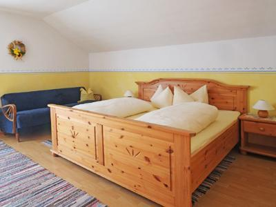 Guest Room in Höslwang - 237 sqft, large backyard/farm, children welcome (# 2178) #2178 - Guest Room in Höslwang - 237 sqft, large backyard/farm, children welcome (# 2178) - Hoslwang - rentals