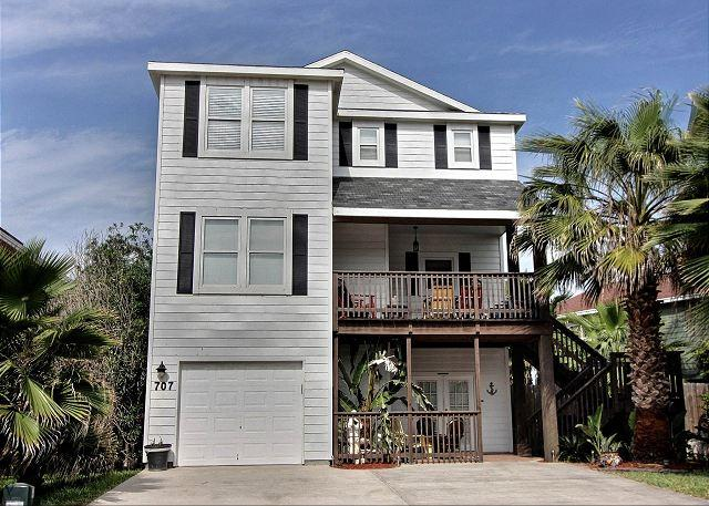 Fabulous 5 bedroom home with a PRIVATE POOL and Hot TUB!!! - Image 1 - Port Aransas - rentals