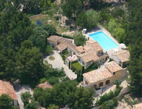 Luxury 7 Bedroom Vacation Home in Aix en Provence - Image 1 - Aix-en-Provence - rentals