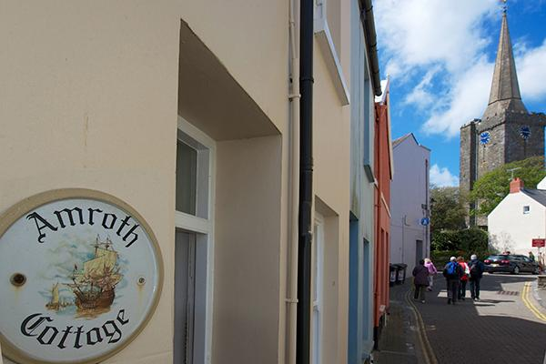 Child Friendly Holiday Cottage - Amroth Cottage, Tenby - Image 1 - Tenby - rentals