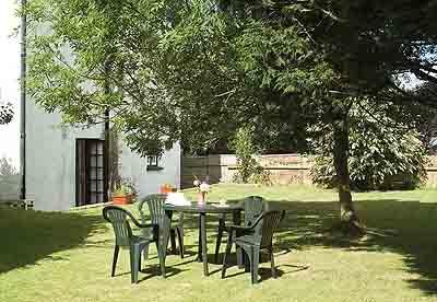 Pet Friendly Holiday Property - Honeysuckle Lodge, Bosherston - Image 1 - Pembrokeshire - rentals