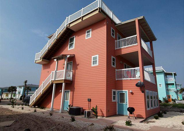 4 bedroom 3.5 bath new construction in fabulous Village Walk! - Image 1 - Port Aransas - rentals