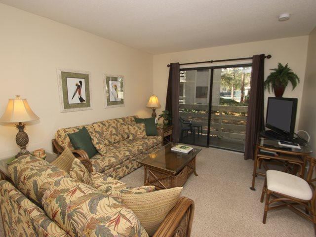 Living area - Fiddler's Cove, 22C - Hilton Head - rentals