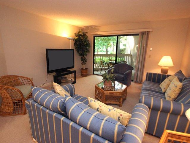 Living area - Colonnade Club, 177 - Hilton Head - rentals
