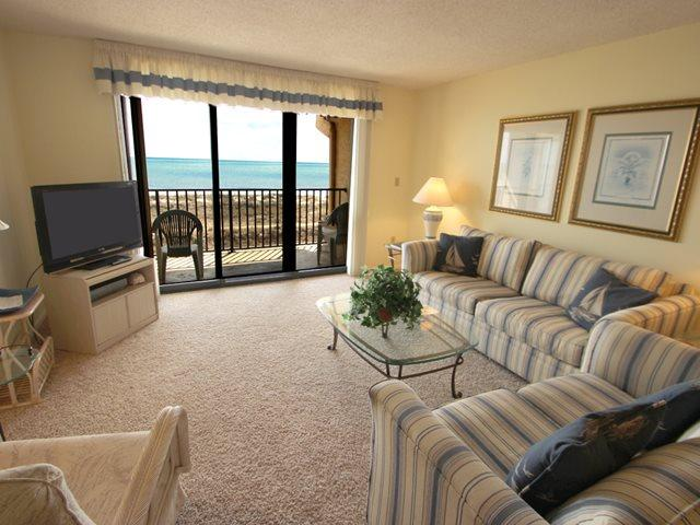 Living area - Island Club, 2402 - Hilton Head - rentals