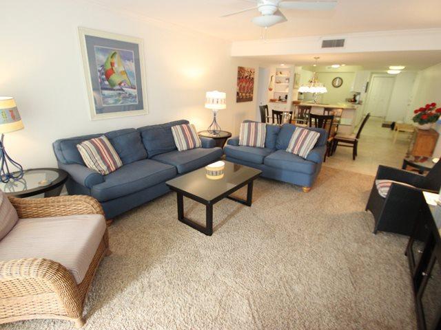 Living area - Island Club, 2201 - Hilton Head - rentals
